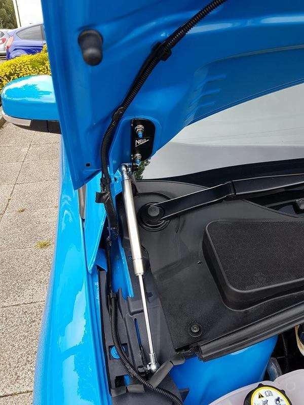 Fiesta MK6 Bonnet strut kit by NB Styling